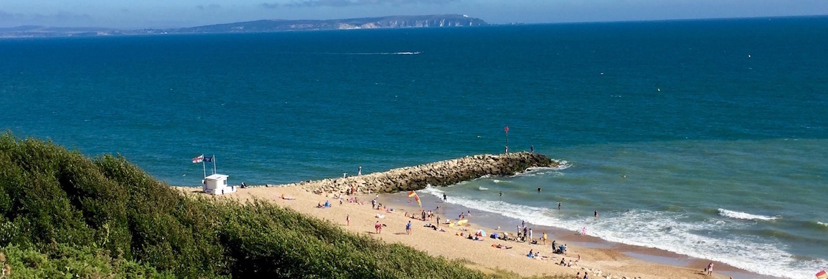 A short drive to lovely beaches and ferry to The Isle of Wight